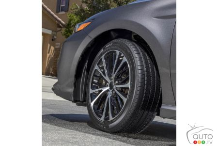 The new Advan Ascend LX tire from Yokohama is a perfect example of a high-quality replacement tire. It's available in most sizes for passenger cars, vans, crossover vans and others.